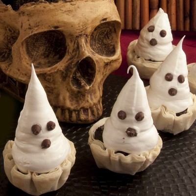 Meringue Ghosts in Fillo Cups