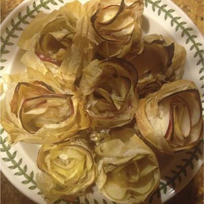 Fillo Apple Roses